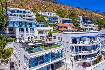 Clifton Beachfront Magic views